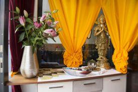 herzlich Willkomen in Indien, Yogi's Restaurant